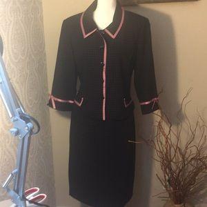 Jessica Howard suit size 14